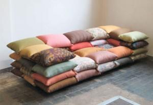 Диван из диванных подушек